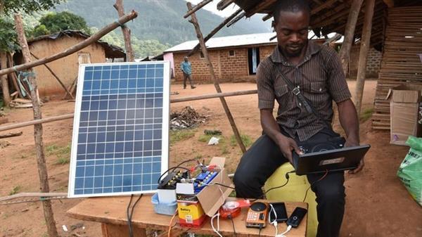 非洲人如何为手机充电?的照片 - 1
