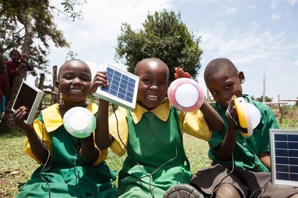 非洲人如何为手机充电?的照片 - 11
