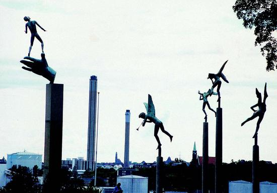 艺术的实体化:北欧设计的奇幻之旅