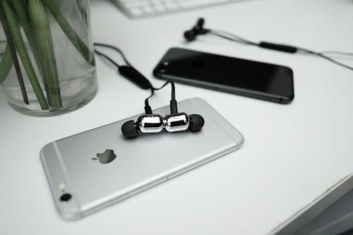 """学生暑假又""""钦定""""网红新品?盘点三款流行的NuForce新智无线蓝牙耳机"""