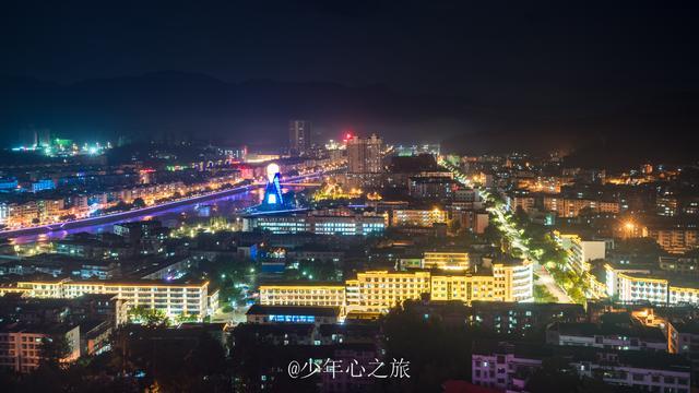 原创赣州一个小县城,夜景出乎意料的美,广州开车前往仅需3小时