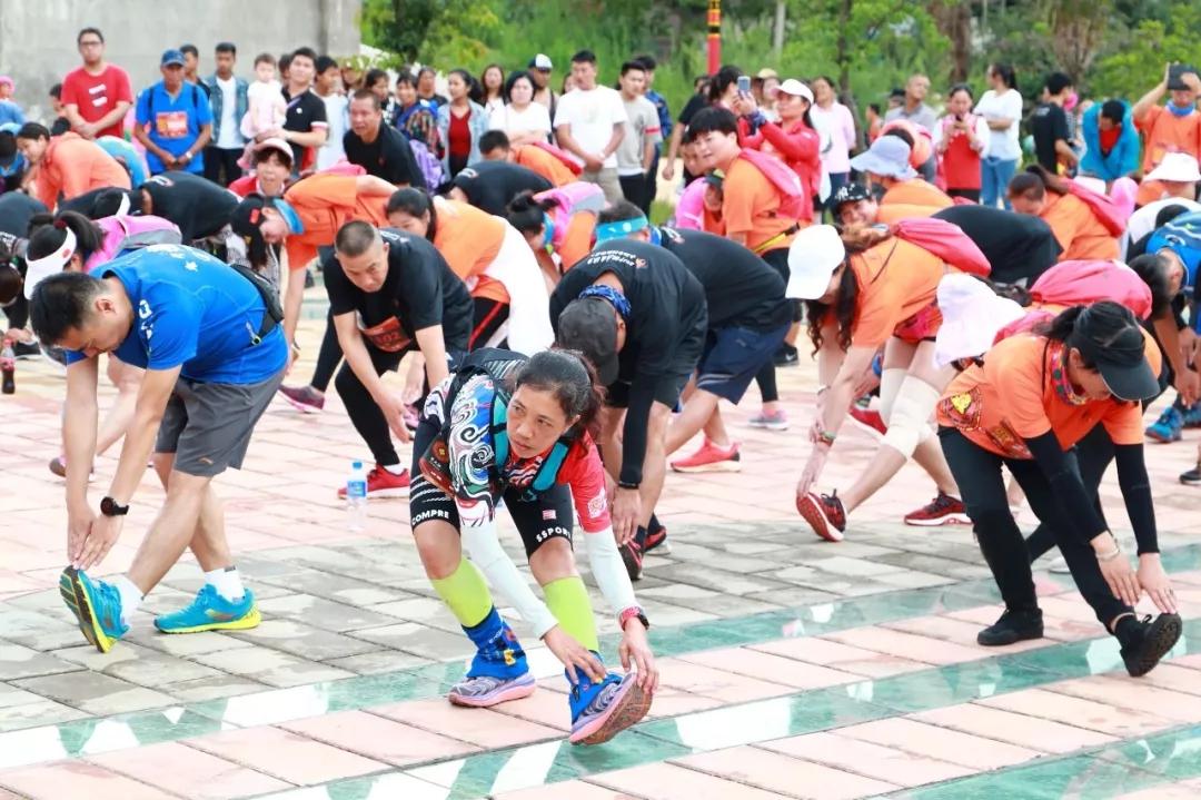 双河彝族乡火把节越野赛开跑,感受热情的彝乡文化