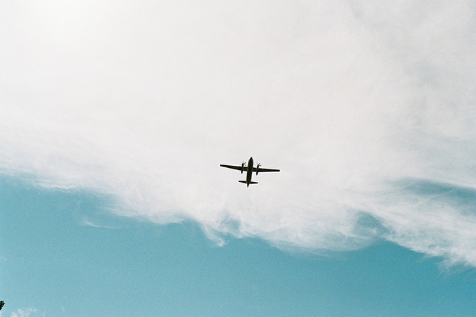 头顶的飞机