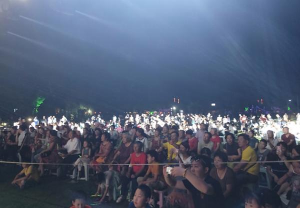 驻马店三秋醋博园纵情放歌文化节明星演唱会盛大举行