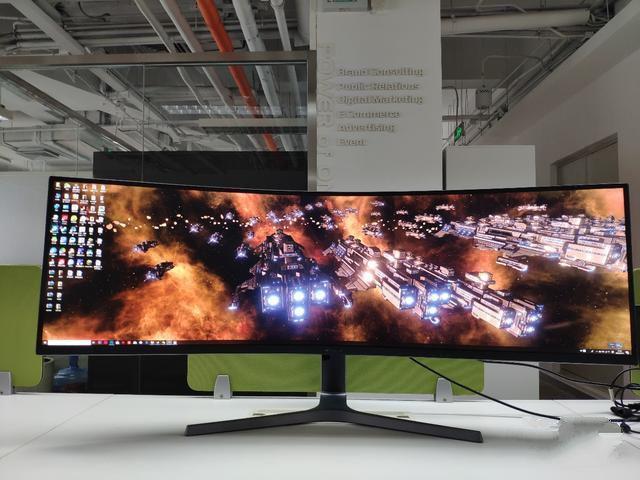 49英寸桌面巨屏二代机皇 三星CRG9评测体验