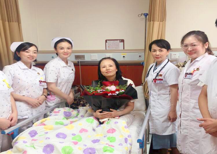 患者医院过生日 天使病房送祝福
