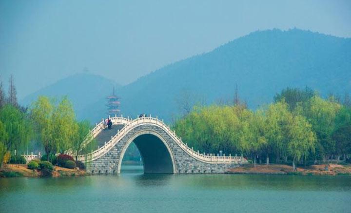 江苏有个5A级景区云龙湖,虽不如太湖出名却是西湖姊妹湖,还不收门票!