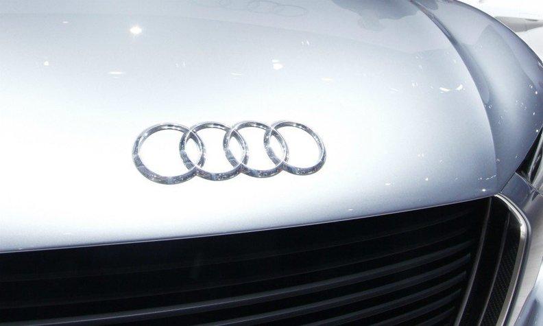 因安全氣囊傳感器故障 奧迪召回14.4萬輛汽車