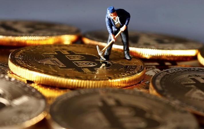 """被亲友""""好心""""推荐买币:他们盯着佣金,机构盯着本金"""