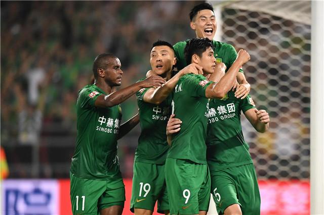 中超争冠关键战!北京国安攻击受质疑,广州恒大有望冲击13连胜
