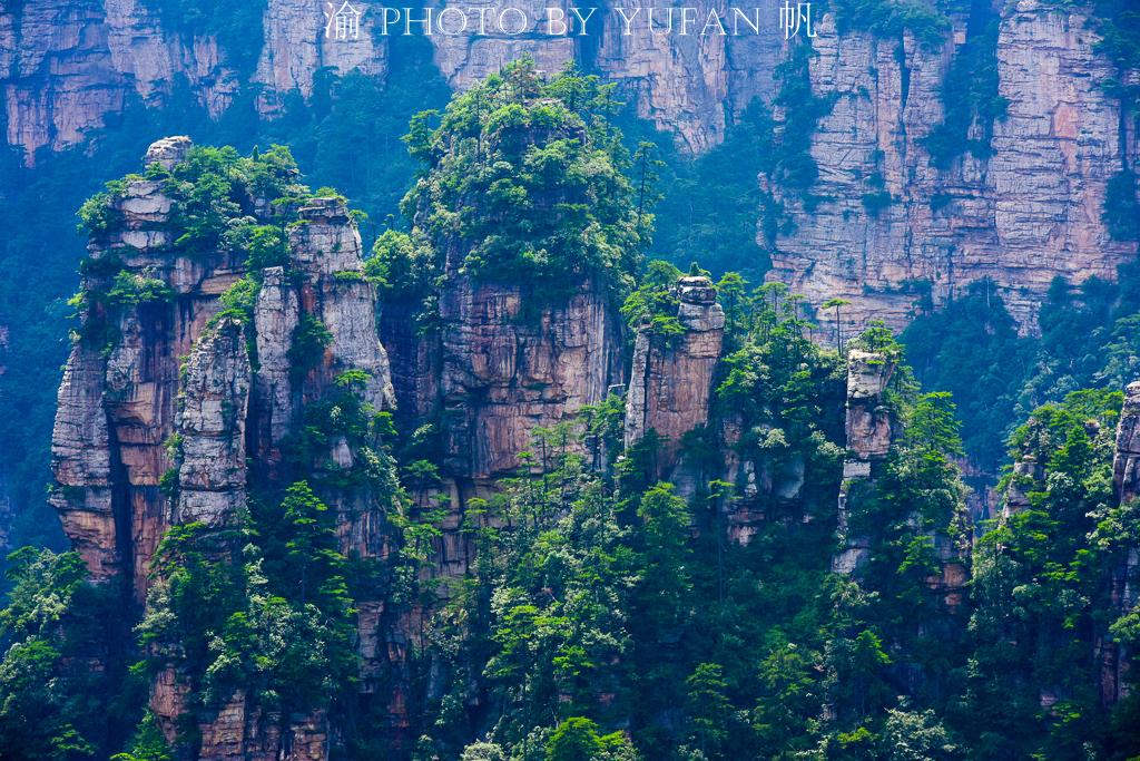 #一城一夏#中国西部一景区被韩国人称为圣山和发祥地,每年超100万人来朝圣
