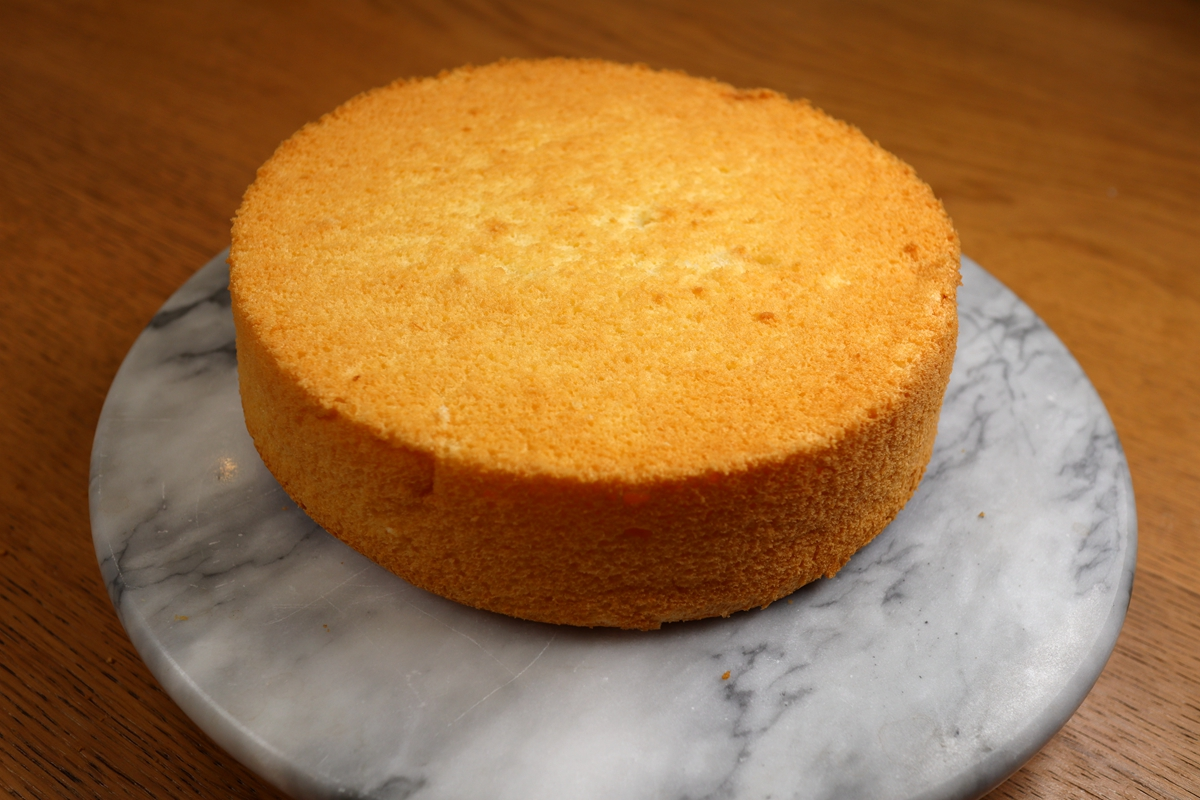 无油少糖的酸奶戚风蛋糕,连血糖高的老妈都爱吃,清爽还松软
