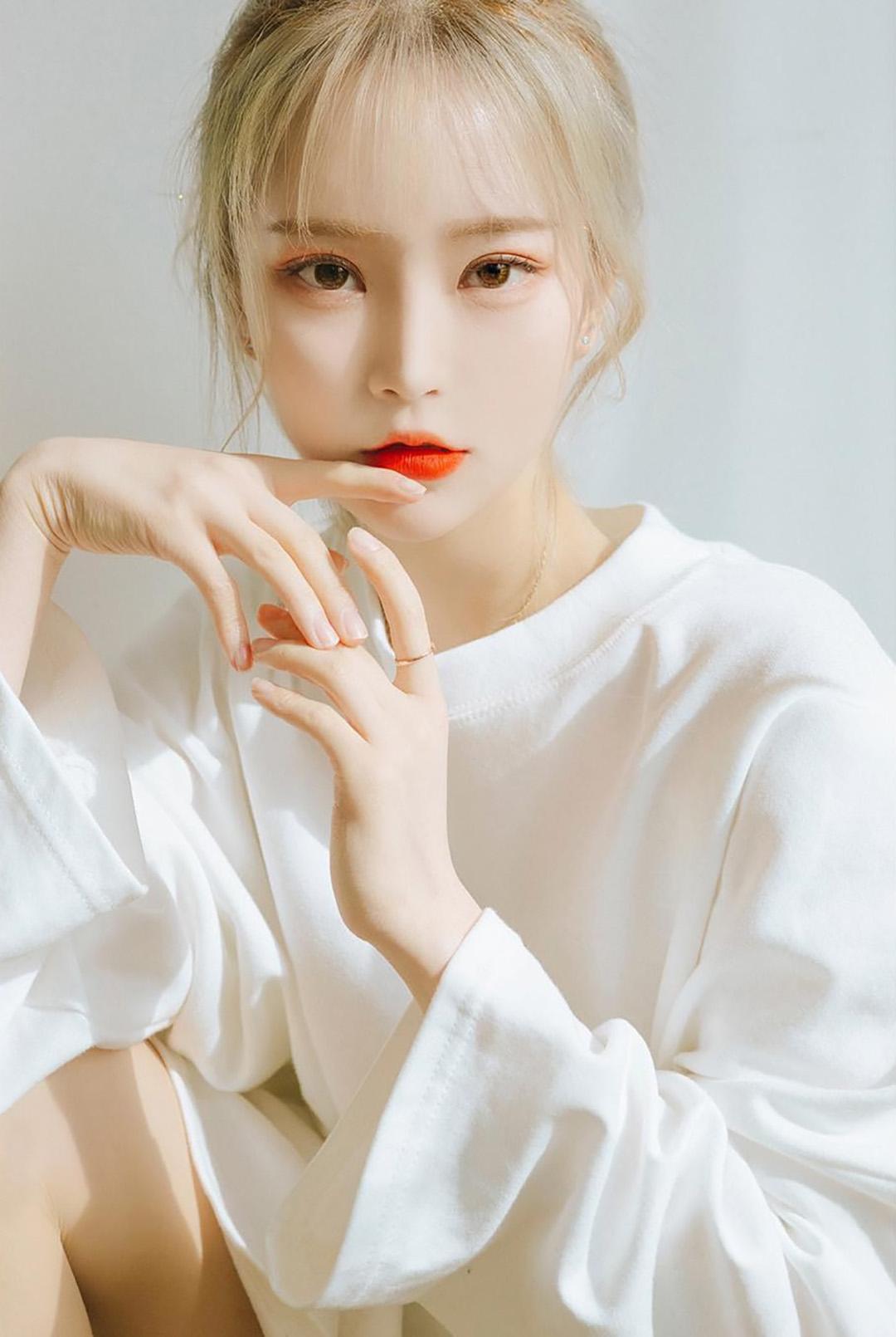 韩国美女模特GINI,天生丽质,合辑三30张
