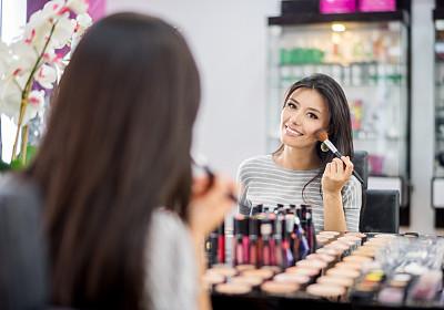 虚拟试妆APP开发给行业带来了哪些影响
