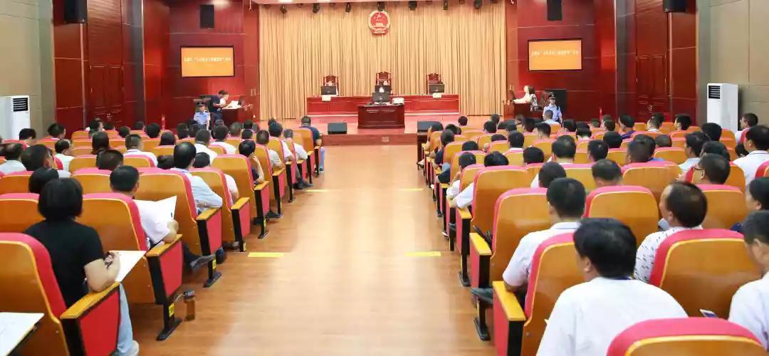 """区委政法委在盐都法院组织开展""""百名领导干部观庭审""""活动"""
