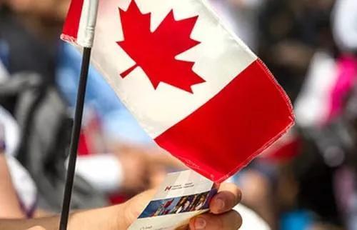 这是中国人移民加拿大最常用的方式,每年申请人数超10万