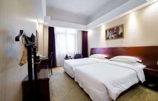 大数据:常州酒店客房数及出租率数据报告