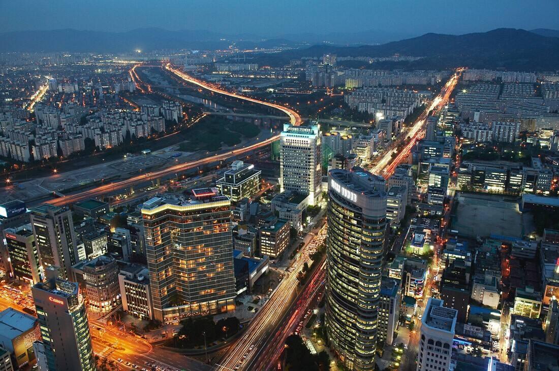 韩国和台湾的gdp_亚洲四小龙:中国台湾、中国香港、韩国、新加坡,2020年GDP对比