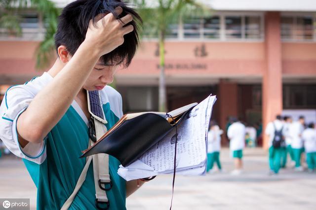 """020高考人数预测或将暴涨,新高三、复读生压力更大"""""""