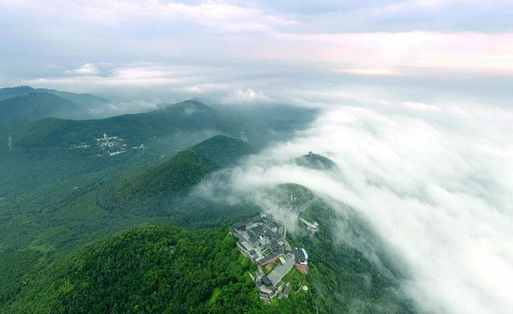 常州茅山真是一座充满灵气的山(航拍茅山组图)。