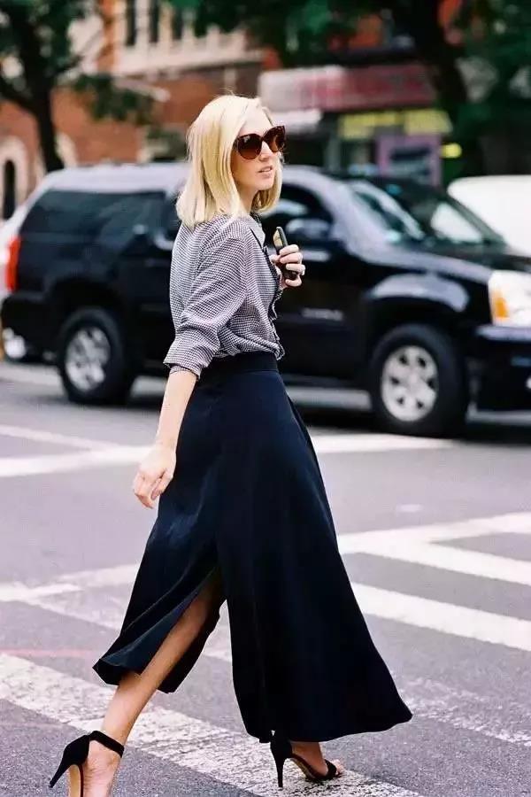 衬衫搭配不规则裙款