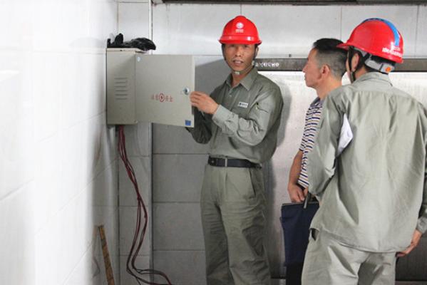 湖北兴山县高桥乡组织多部门开展开学前校园安全检查