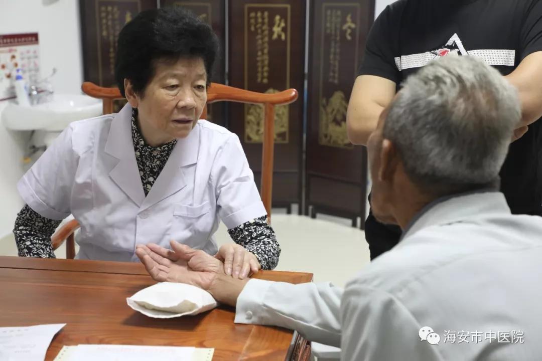 全国名老中医传承老师邵荣世9月7日到江苏海安市中医院坐诊