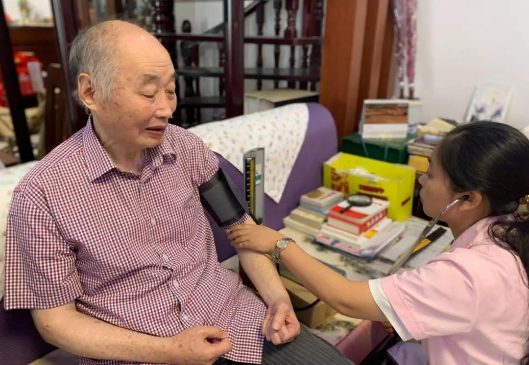 江苏海安高新区宁海办事处复兴社区:寻访最美家庭