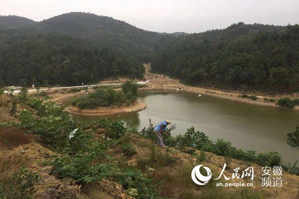 """安徽石台:""""旅游扶贫""""风景变""""钱""""景"""
