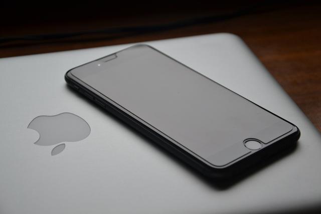 """苹果将在明年春推出新低价版iPhone在华""""收复失地"""""""