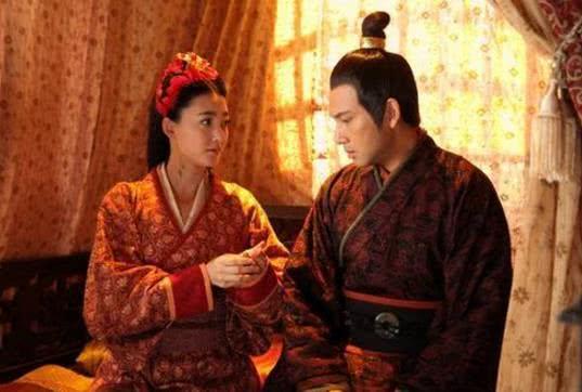 原创此人本已嫁给农民当老婆,却偶然入宫成了皇后,还生了下千古一帝