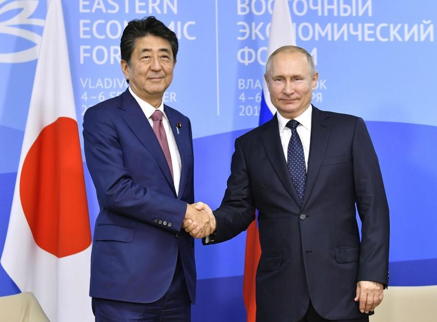 日俄领土争端依然没进展安倍同普京约11月再谈