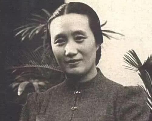 原创此女名叫董竹君,家贫沦落青楼,却从中逃生去世时与世纪同岁