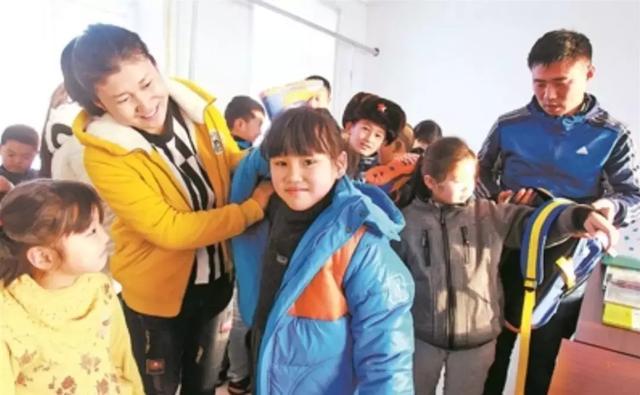 感动!这对夫妻教师扎根我国最北村小,陪着仅剩下的7名孩子