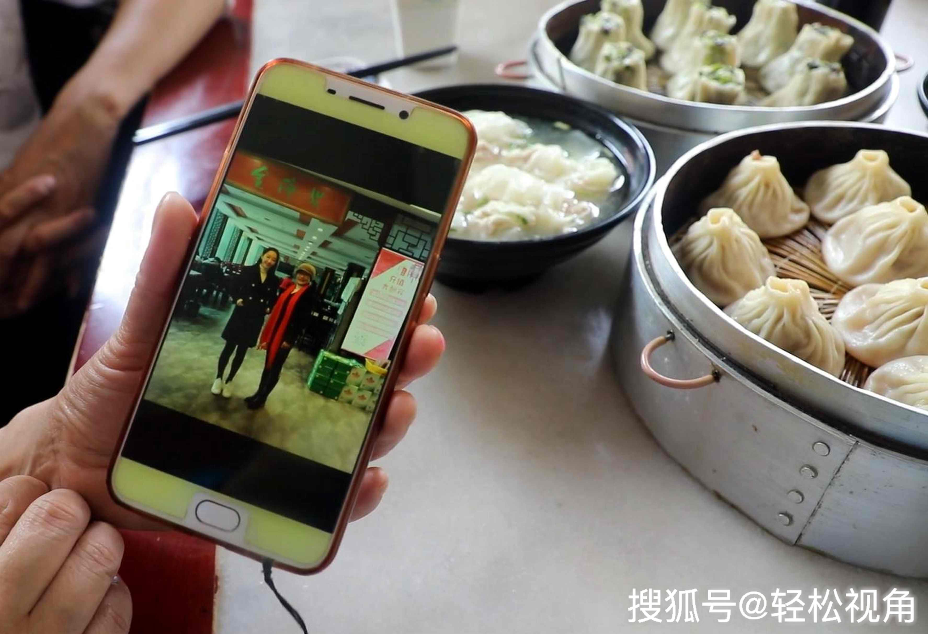 原创安徽芜湖:蒋梦婕回家打卡的小吃店,靠几样小吃卖了100多年