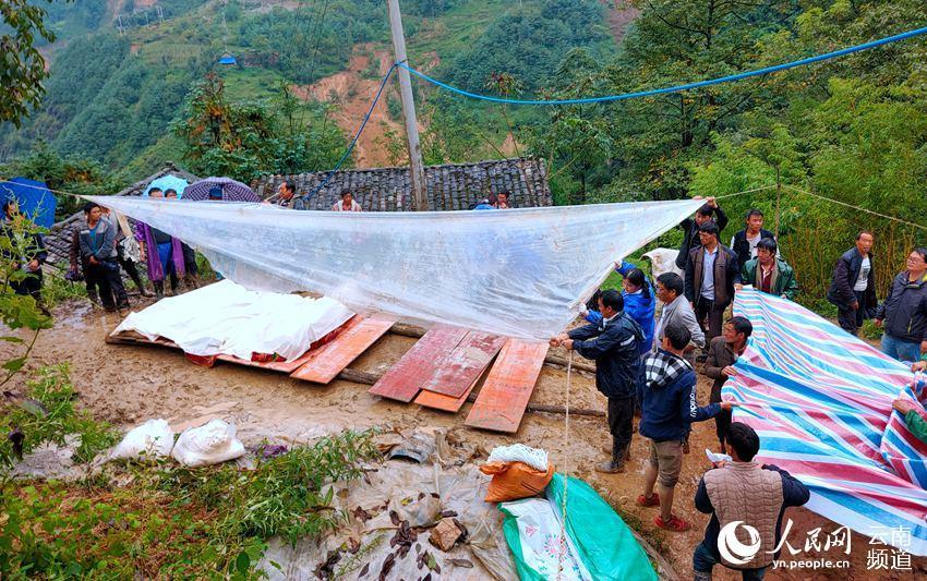 云南巧家滑坡自然灾害已致6人遇难(图)