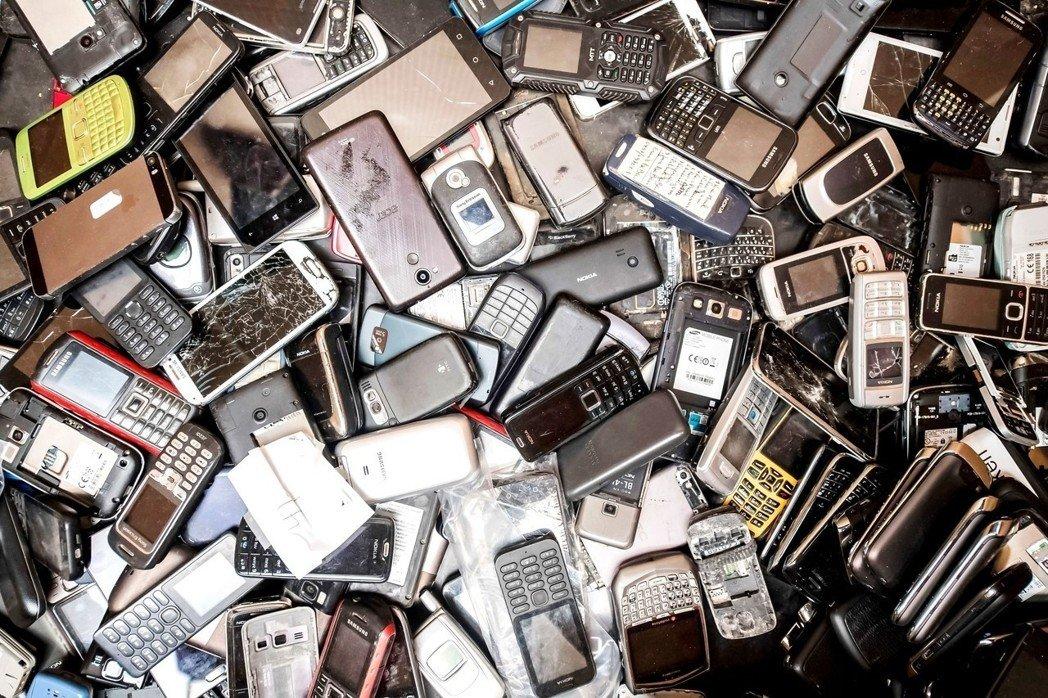 隐形的资源宝库手机电池回收会成为下一个蓝海吗?