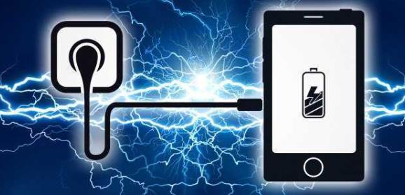 手机充电时,先插手机还是先插电源?小心顺序不对伤害手机