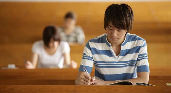 留学福利:英国有哪些学校是接受中国高考成绩的