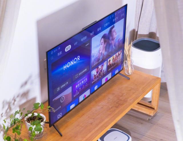 原创Redmi电视大屏稳了!卢伟冰称荣耀智慧屏与电视没有本质区别