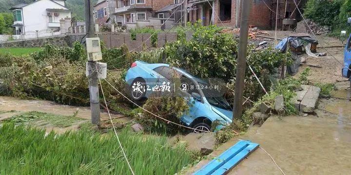 暴雨突袭!杭州多地遇险!余杭夫妻深夜两次死里逃生:房子倾斜,车子也被冲走