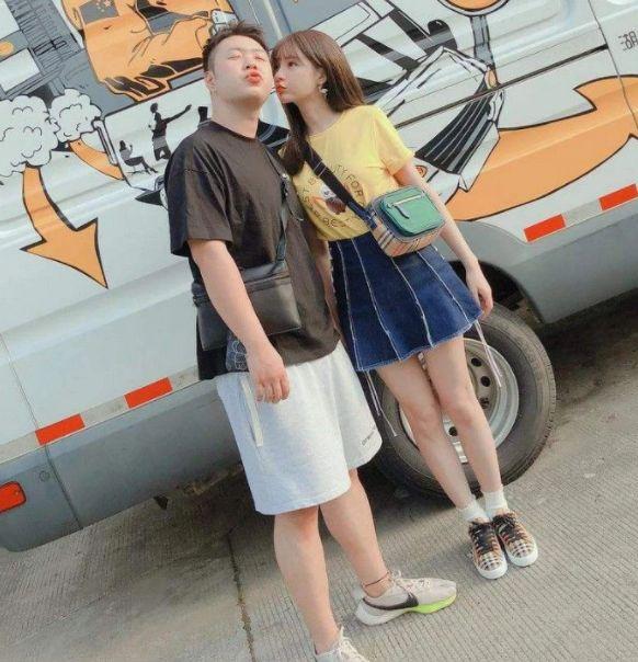 沈梦辰深夜晒男友杜海涛视角美照秀恩爱,因脚蹬自动售货机惹争议