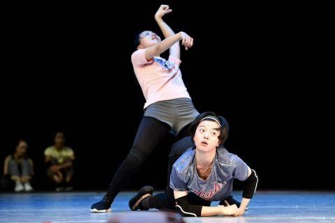 儿童剧《我的妈妈是匹马》看中国版战马舞台嘶鸣