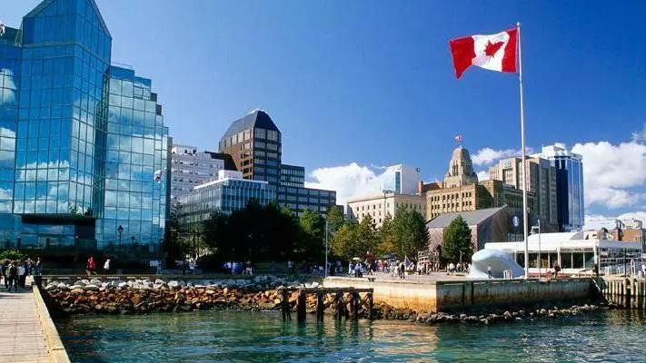 为什么说现在是移民加拿大的黄金时期?