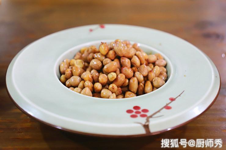原创一道香酥酸爽的下酒菜:醋泡花生,中秋家宴最适合,值得一试