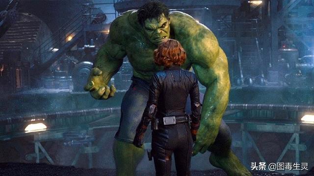 """斯嘉丽·约翰逊谈黑寡妇与绿巨人间的感情他两选择了""""大爱"""""""