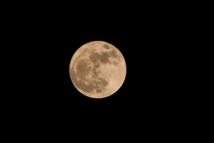 """14日0时9分""""广州月""""最好看!今年中秋迎5年来""""最小月亮"""""""