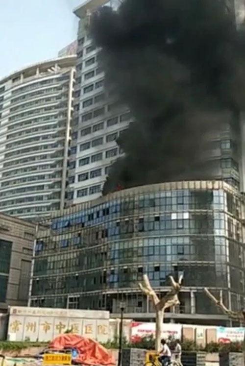 #爆料# 常州中医医院在建急诊病房综合楼发生火灾