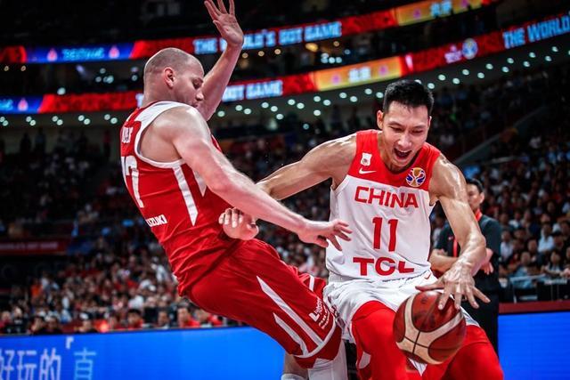 男篮又帮了1欧洲球队大忙?东京奥运稳了这次波兰却该哭了