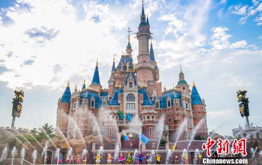 上海迪士尼启动食品携带新规:榴莲、自热食品禁带